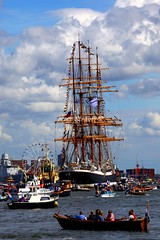 Water madness at SAIL Amsterdam 2010 (kees straver (will be back online soon friends)) Tags: ocean blue sea sky people water amsterdam clouds sailboat boats boat war sailing ship pirates nederland thenetherlands explore busy sail funfair tallships warship 2010 landschape knsm abigfave keesstraver mednessonthewater