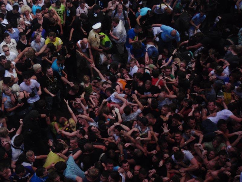 effective crowd control plan