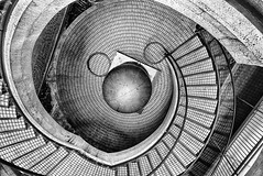Embarcadero Stairs 1 (StefanB) Tags: sanfrancisco california city urban bw monochrome architecture stairs ball perspective shapes down financialdistrict study embarcadero g1 geotag 2010 embarcaderocenter dmu fav10 918mm flvonmirikr cirkuswalksf2010 invisiblecirkussf2010 f64g24r4win f64g24champ top102010