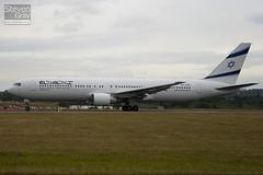 4X-EAK - 27600 - El Al Israel Airines - Boeing 767-3Q8ER - Luton - 100714 - Steven Gray - IMG_7288