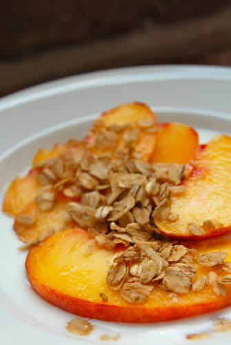 peaches granola