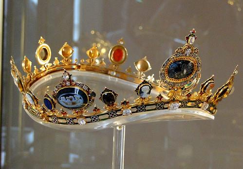 Jeweled diadem
