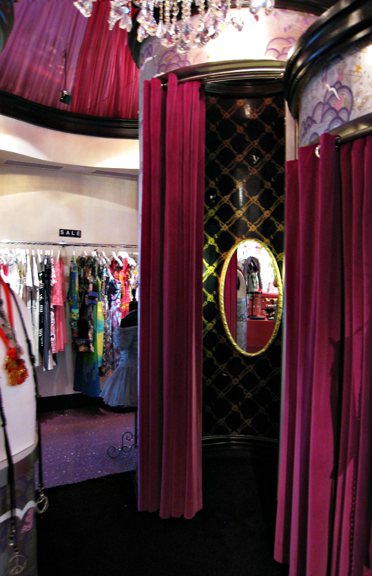 Annie Creamcheese Vegas+dressing rooms