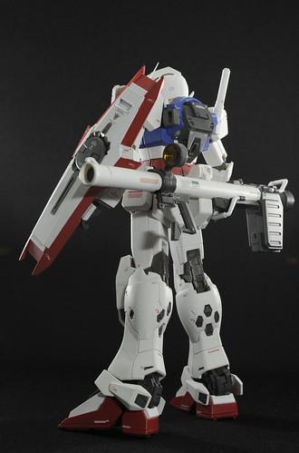 RX-78のバズーカを装着可能