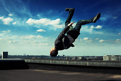 Skywalker (David Olkarny Photography) Tags: roof brussels sky freedom power air bruxelles bluesky 50mm14 gravity neo alienbee atomium intensity meiser b400 5dmarkii incompletestrobistinfo davidolkarny