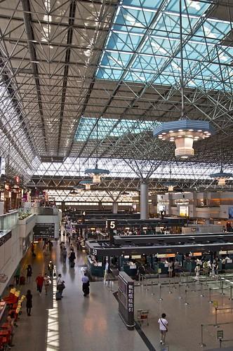 TPE departures lounge (Terminal 2)