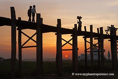Myanmar experience : U Bein bridge (My Planet Experience) Tags: ubeinbridge ubein bridge myanmar birmanie burma voyage trip travel asie asiesudest asia southeastasia wood teak silhouette man woman sky taungthamanlake taungthaman lake bouddha photo picture portrait paysage bouddhisme moine bouddhiste bonzes pagode temple mandalay amarapura sunset coucher soleil couchersoleil myplanetexperience wwwmyplanetexperiencecom aboveandbeyondlevel2 aboveandbeyondlevel1 aboveandbeyondlevel4 aboveandbeyondlevel3