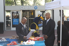 Chase10 267 (wilson46201) Tags: food monument carson circle senator congressman indianapolis bank indiana congress richard chase andré lugar gleaners chase10