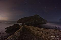 San Juan ilunpean (saki_axat) Tags: longexposure sky night stars landscape darkness bakio bermeo steelwool nayure sanjuandegaztelugatxe