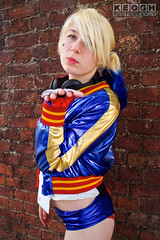 IMG_2472.jpg (Neil Keogh Photography) Tags: gloves comics bomberjacket dc belt film gun villain spikes gold harleyquinn boots jacket red criminal pigtails blue psycho suicidesquad tracksuitjacket psychopath hotpants top bracelets black femaledccomics cosplayer videogame nwcosplayjunemeet2016 white