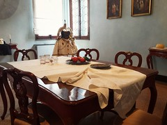 In the Venician dining room - Goldoni Museum (Izzy's Curiosity Cabinet in Venice Mood) Tags: musee museum goldoni venise venice venezia venedig salle à manger tableau painting dining room