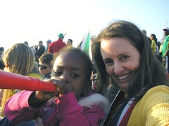 Pwwaaaaarrp on a Vuvuzela, with a new friend!
