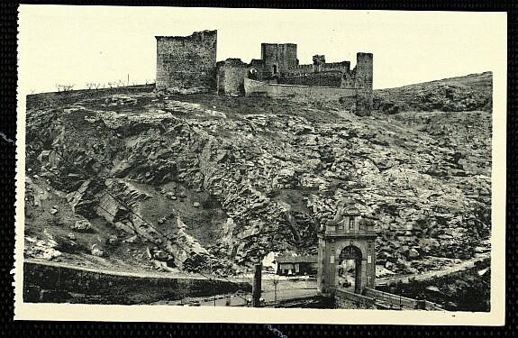 Castillo de San Servando a inicios del siglo XX. Foto Hauser y Menet