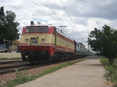 WAP-1, you beauty...! (Aswin Kumar V) Tags: ir down express sr ajj 2610 22007 arakkonam wap1 sbcmas
