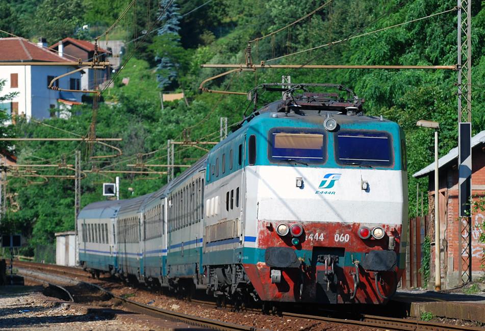 The world 39 s best photos of e444 and giovi flickr hive mind - Orari treni torino porta nuova genova brignole ...