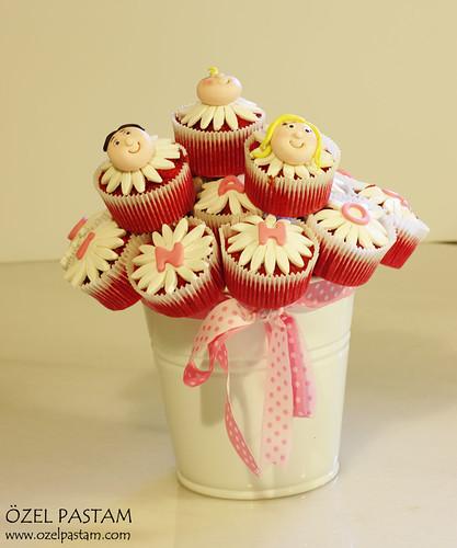 Ayza Bebek Hoşgeldin Kapkek Buketi / Welcome Baby Cupcakes