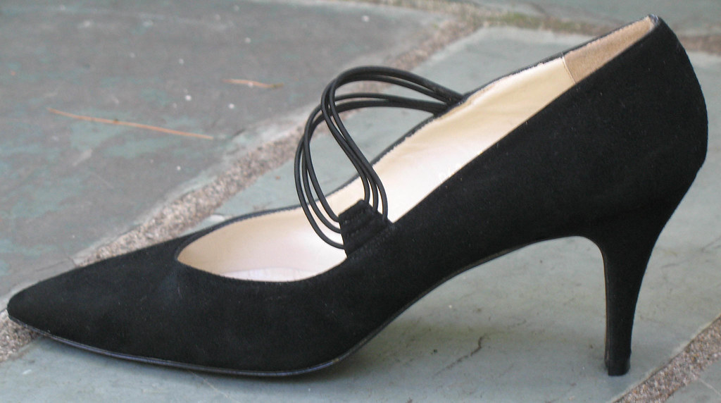 Vintage Women's Black Suede Pumps by Designer Pepe Jimenez for Amour - Size 9.5 AA - Made in Spain