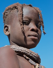 Portrait of a Himba Girl (Justin Jackson) Tags: africa portrait people girl children outdoors day outdoor african culture tribal headshot safari afrika nikkor tribe ethnic namibia tribo himba afrique lifestyles ethnology tribu namibie kaokoland kunene tribus ethnie nikond3 2470mmf28g