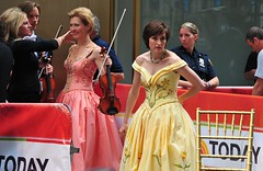 Cord_Jet_Stephanie; 16 Jun 2010; Rockerfeller Plaza, NY #2879 (~BC~) Tags: cord keyboard jet violin stephanie 2010 groupphotos jso cordmeyer johannstraussorchestra stephaniedetry jetgelens asterix611