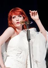 25-06-2010 - Florence And The Machine @ Glastonbury 2010 - (4401) (justin_ng) Tags: uk festival florence glastonbury welch 2010 florencewelch glastonbury2010florenceandthemacine