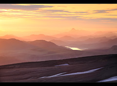 Mountain Layers - Landmannalaugar, Iceland (orvaratli) Tags: light sunset summer sun mountain snow mountains travelling night sunrise landscape iceland highlands soft arctic midnight layers icelandic landmannalaugar hrafntinnusker fjll fjallabak arcticphoto rvaratli orvaratli