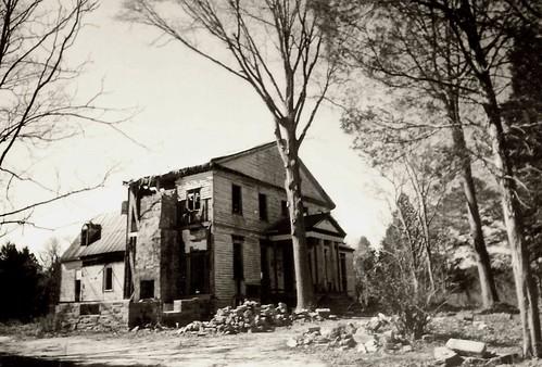 Ruinous Grandeur