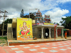 'Bharat Bandh' - National Strike July 2010 - Mahaganapathi Temple (ShambLady) Tags: india streets religious temple ganesha worship religion bangalore streetlife strike karnataka hindu maha tempel 2010 bandh whitefield staking hindoe brindavan mahaganapathi ganapathi bengaluru kadugodi brindavanlayout 05072010