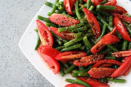 Green Bean and Tomato Salad - Tasty Yummies