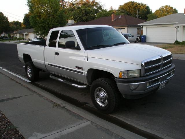 california white silver 4x4 diesel dodge ram cummins exhaust 2500 turbodiesel mbrp