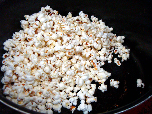 Popped corn for caramel corn