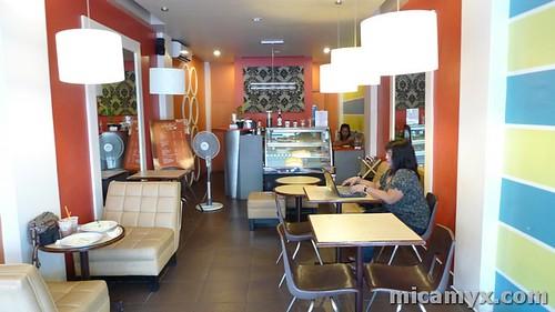 Inside Sugar Loop Cafe