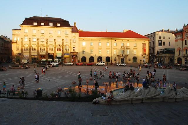 vue sur la place Szczepanski