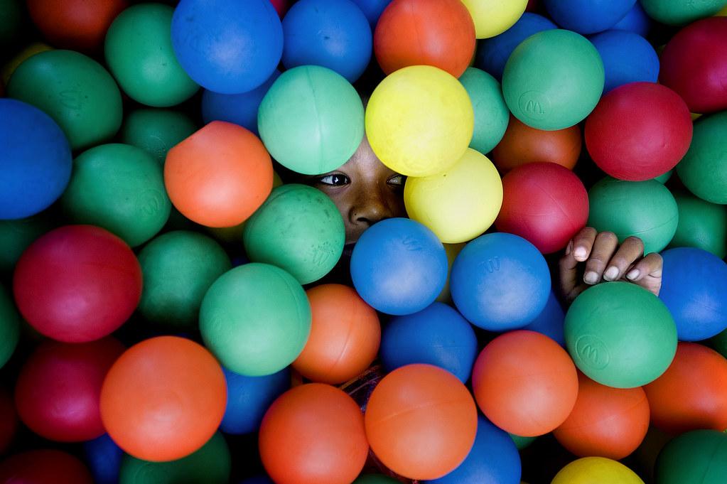 07.03.10_BallPit Color