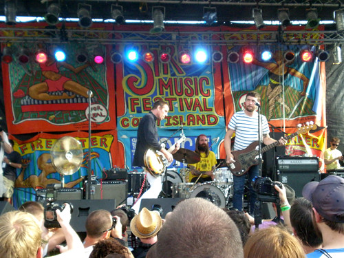 Ted Leo and the Pharmacists at Siren Fest, Coney Island, July 17, 2010