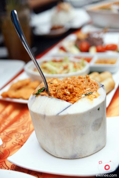 THAI-FOOD-PJ-FUNKY-VILLA-E@CURVE-otak-otak