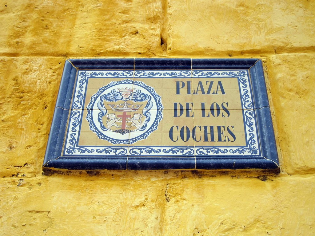 The Plaza de los Coches is centrally located within the walled city. This is the best place to find horse and carriages to hire for a romantic ride through the city.