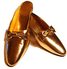 1960s+vintage+gold+shoes+mules
