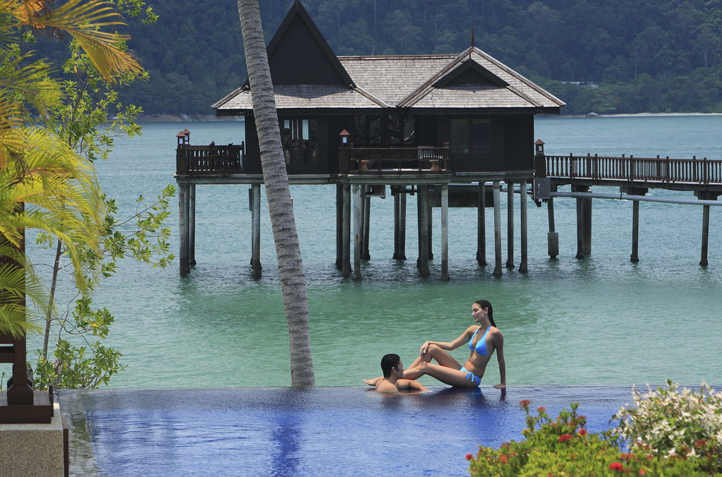 Pangkor Laut, Pulau pangkor - Royal Bay Beach Club Pool 05