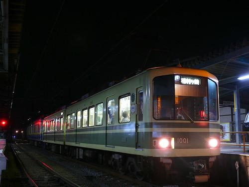 江ノ電1001F+10F稲村ヶ崎行き最終電車@長谷