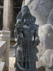 IMG_6700_ 2_ 3_ 4_ 7_ 5_ 6_tonemappé (xsalto) Tags: india statue temple hdr sravanabelgola