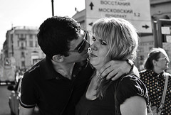 GARLIC (davies.thom) Tags: love kiss candid streetphotography garlic unhappy badbreath