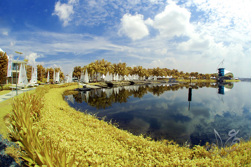 Putrajaya Lake marina bay