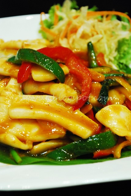Stir Fried Squid in Salted Egg Yoke
