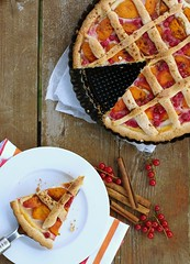 pie with red currant and apricot (Veronika Basa) Tags: red food pie cinnamon apricot styling currant