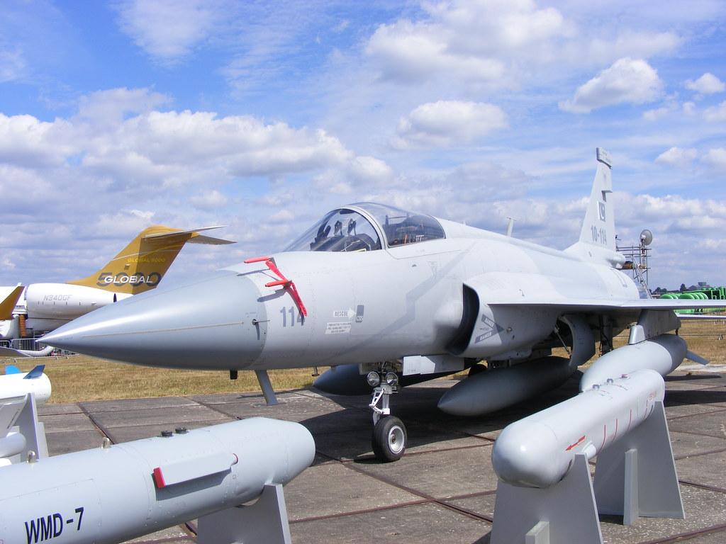 تأكيد صفقة الجي اف-17 المصرية ونفي الميج-29 4850104565_b8f647ea3f_b