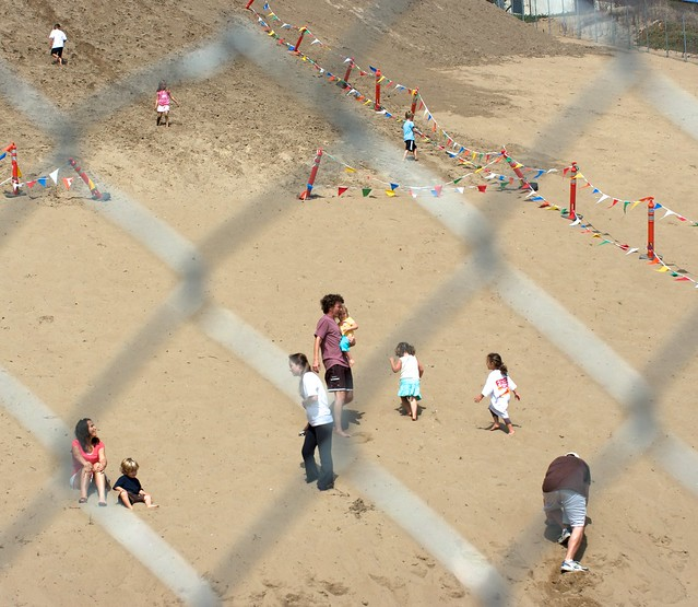Families enjoy the dune again