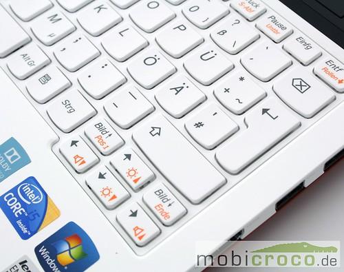 Lenovo_U160_IdeaPad_11