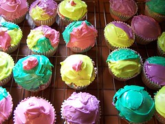 happy little cupcakes