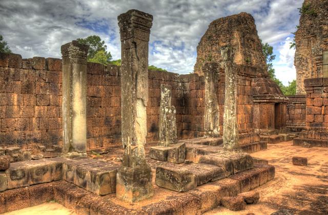 Angkor Wat Four Columns HDR