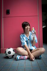 [フリー画像] 人物, 女性, アジア女性, サッカー, 201008152100